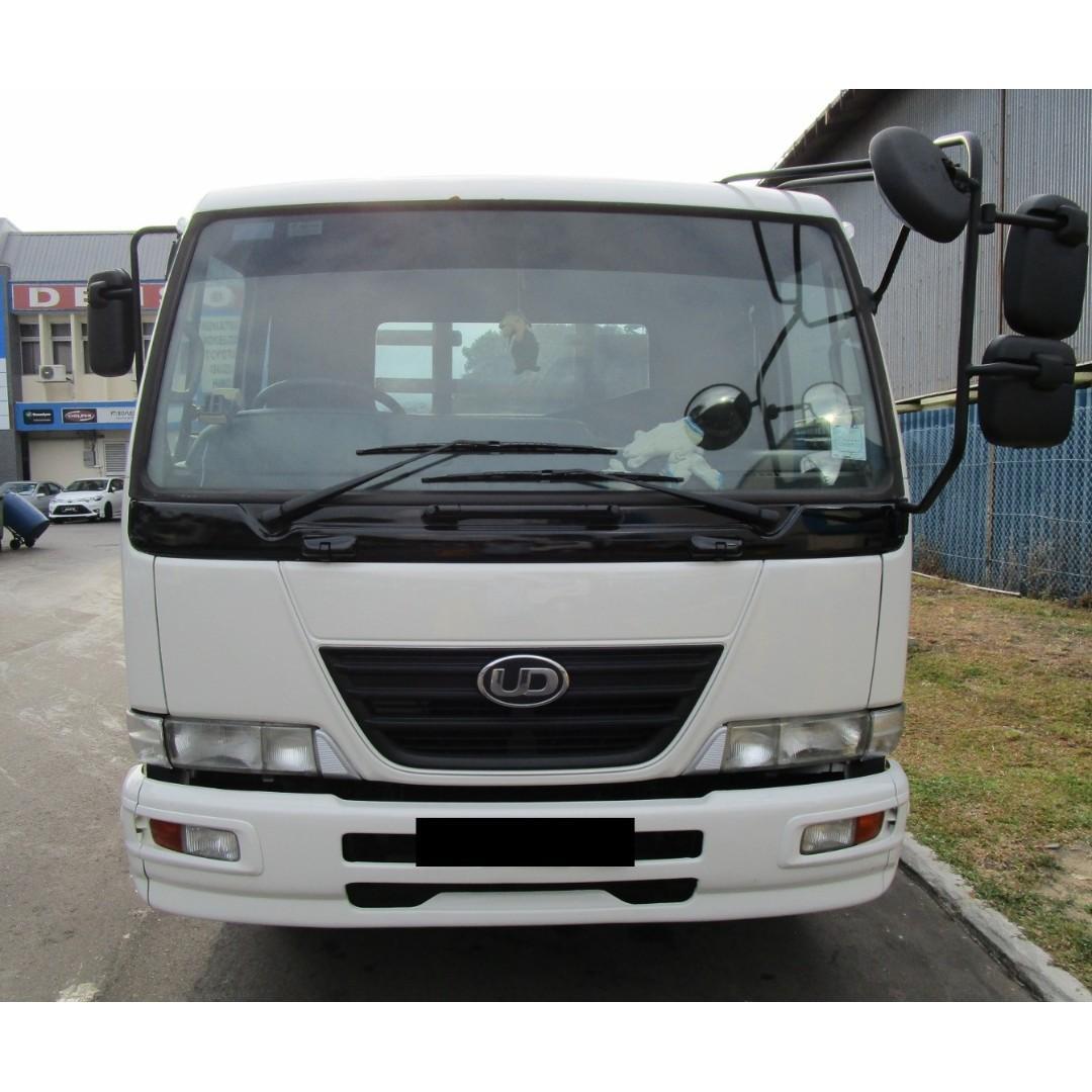 Nissan MKB37 21 Feet Wooden Body Lorry (COE till 02/2024)