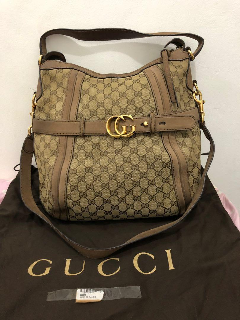 preloved - authentic gucci borsa gg running (35x37cm) comes with dustbag.