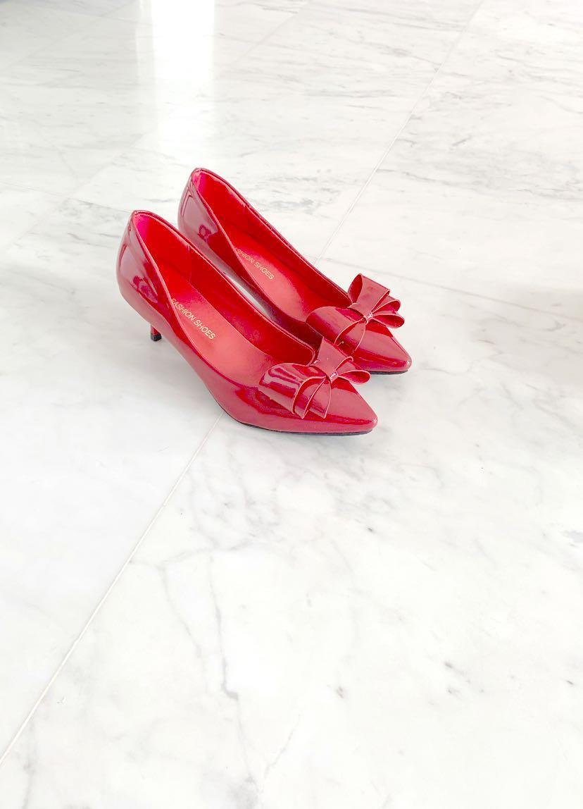 Red Pointed Heels