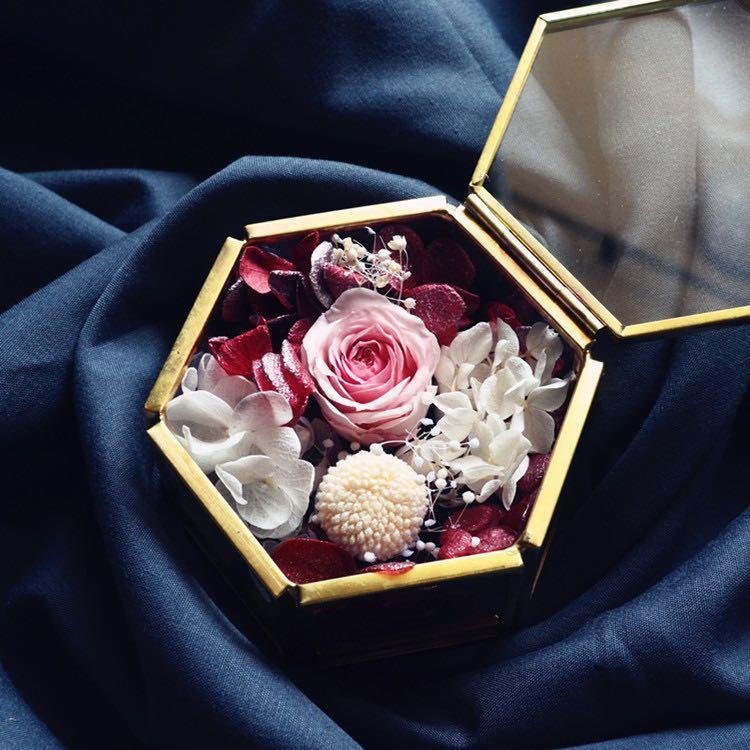 Ring glass boxes + dried flowers