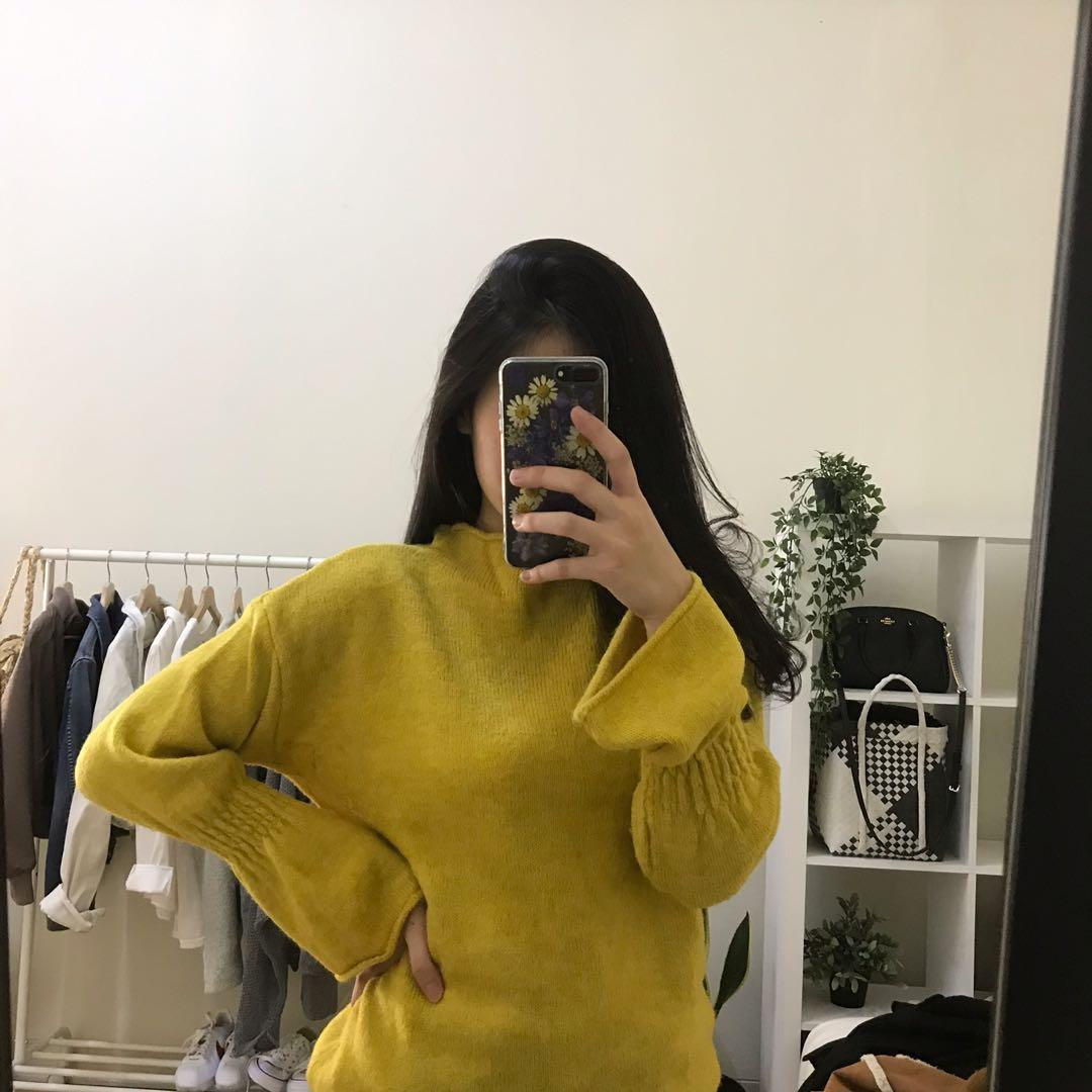 Stradivarius mustard sweater