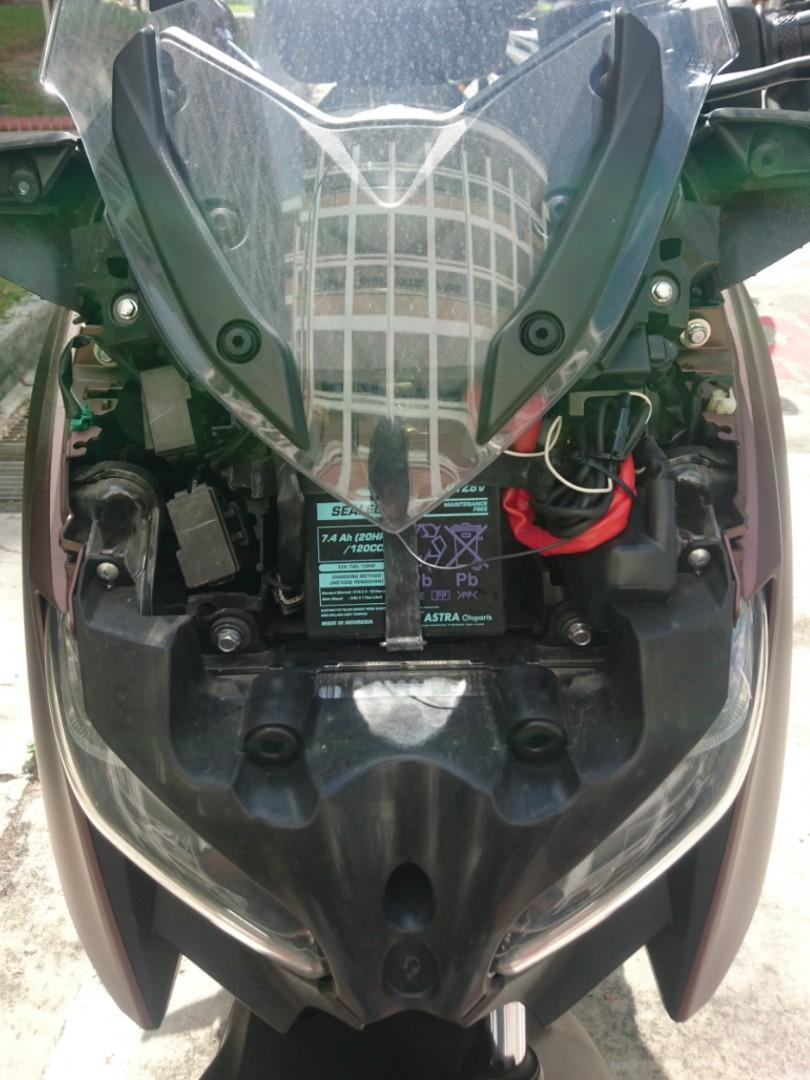 Xmax 300 battery rescue / yamaha motorcycle / scooter