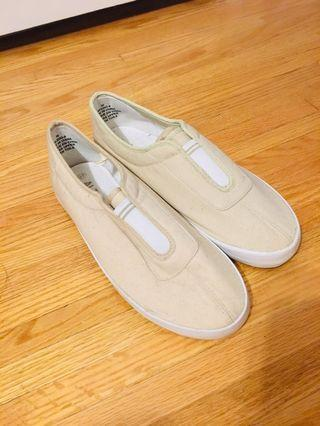 Bnwot loafers / slip on shoes