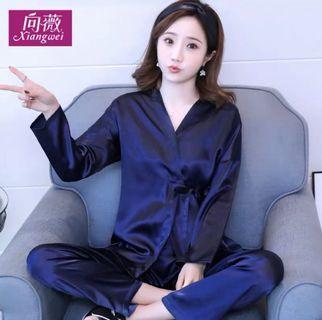 🚚 小資女孩👧銀色日式和服緞料長袖睡衣/家居服(2件式)