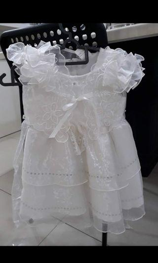 Nice white dress for 3yo/4yo girl