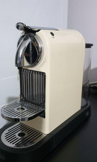 🚚 Nespresso Delonghi coffee machine