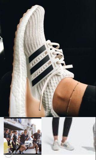🚚 Ultra boost adidas 25號女米白粉紅日本買回極新