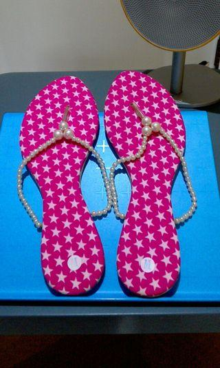 🚚 珍珠拖鞋