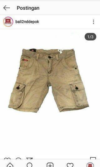 Celana pendek leecooper