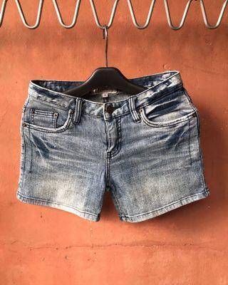 Celana Jeans Pendek Gaudi