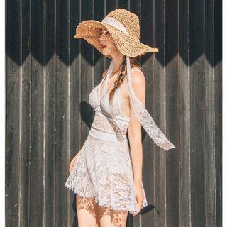 全新重工蕾絲刺繡白色泳裝 (含可分開穿蕾絲裙)現貨