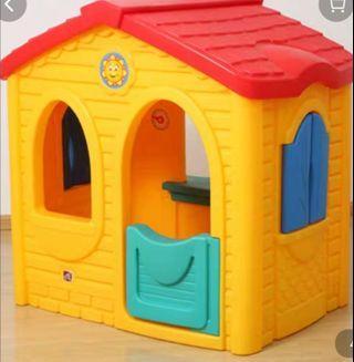 US brand playhouse