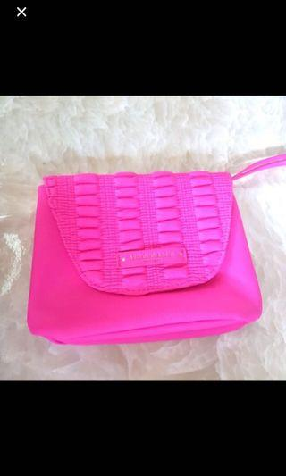 🚚 NEW Elizabeth Arden Neon Pink Make up pouch