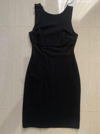 Black Dress/ Dress hitam tanpa lengan