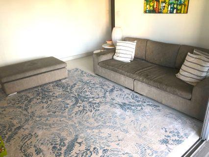 🚚 Sofa + Ottoman