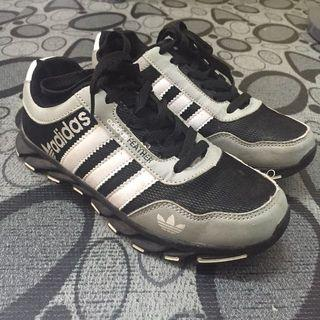ADIDAS KIDS SPORT SHOES