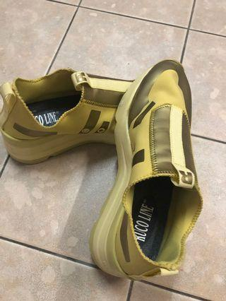 Rucoline Yellow Low Tops and sneakers