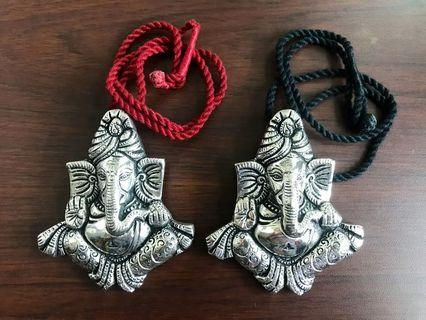 🚚 Big oxidised silver Ganesha pendant with thread Dori