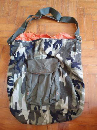 🚚 GAP Sling Bag