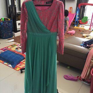 Caryazara dress size m
