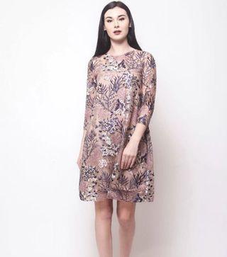 (SEWA) Nine-12 Val Floral Dress - Navy Blue