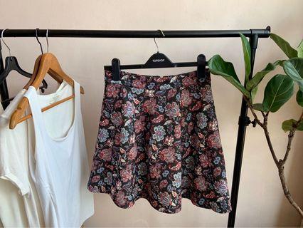 🚚 Floral Skirt