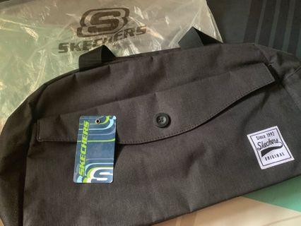 Skechers Travel Bag / Duffle bag / Gym bag