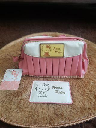 🎀 Brand new Hello Kitty pouch 🎀