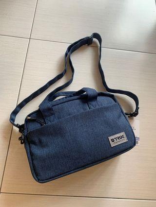 日本牌子相機袋 (實淨間格)