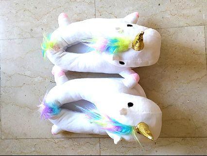 🚚 Unicorn bedroom slippers