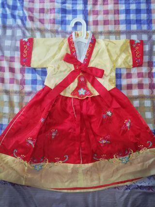 🚚 Traditional Korean dress