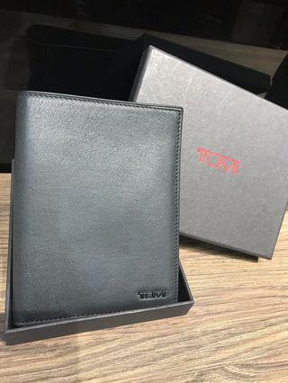 TUMI護照套 🉐️$300