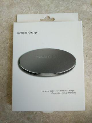 🚚 New in box wireless charger