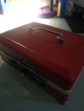 Cashbox - brankas kecil
