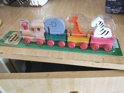 🚚 Very cute wooden animals ferry train