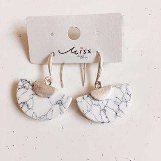 韓國雲石款耳環