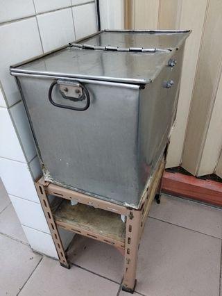 (自由出價) 舊式上海理髮熱毛巾箱