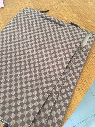 🚚 Paper bag