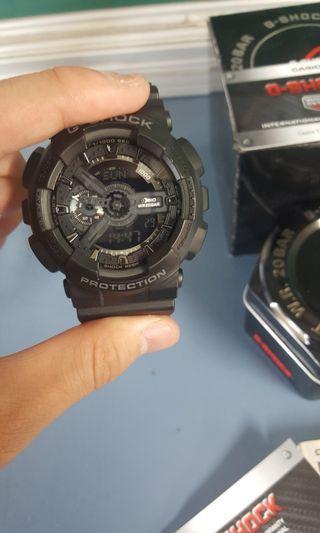 Gshock手錶(黑色GA-110)