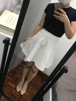 Uniqlo white skirt