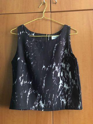 Black marble sleeveless crop top
