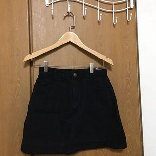 🚚 黑色A字裙