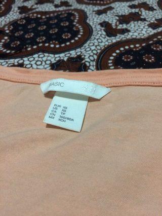 Kaos/T-Shirt Cewek V Neck H&M