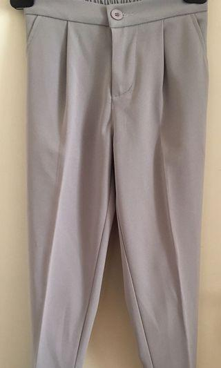 七分灰色西褲