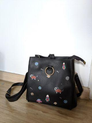 🚚 Hand-painted space print bag