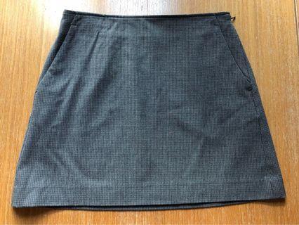 Uniqlo checked skirt