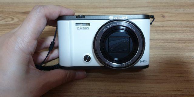 🚚 Casio EX-ZR3500