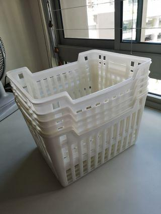 Daiso plastic drawers X7 pieces, IKEA clothes hangers (pink & pink one each)