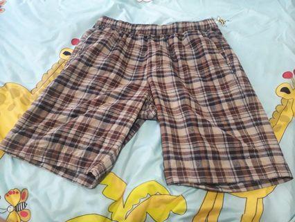 🚚 Uniqlo Shorts Small