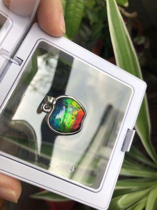 🚚 Steve Job's Apple Shaped Canadian Rainbow Ammolite Gemstone